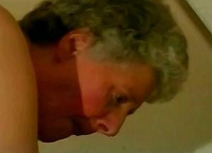 Kleinzoon woont oma anaal uit met zijn hete tampeloerus